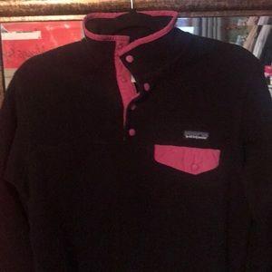Patagonia Pullover Black/Pink trim, size M
